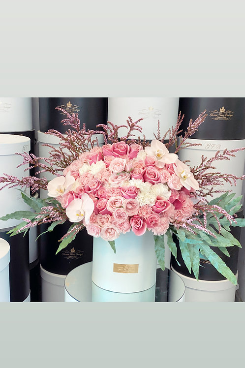 Medium to Large Size Flower Bouquet in Shades of Pink