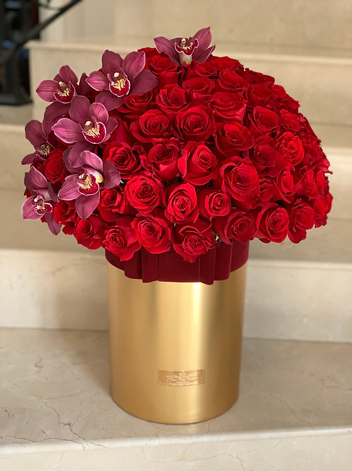 X X Large Rose Bouquet in Gold tall box