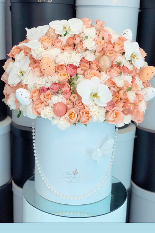 Large Size Flower Arrangement in Peach colors