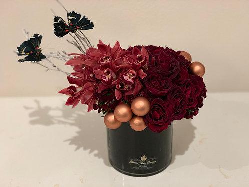 Small Flower arrangement inBlack vase
