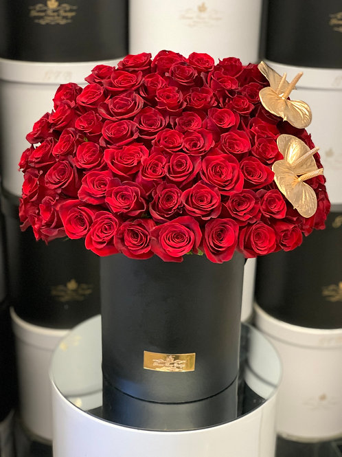 Large Roses Bouquet with Corner gold Antrum