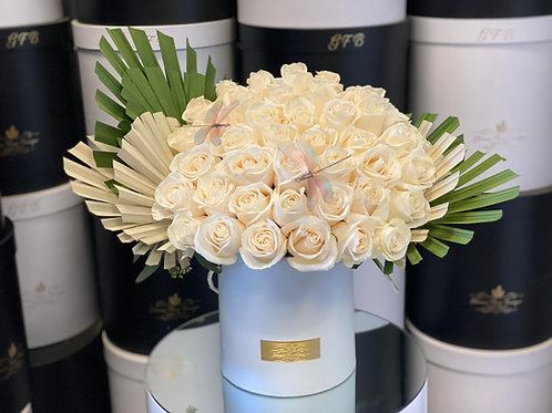Large Size Bouquet in Color white and Green