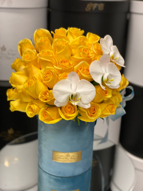 Medium Size Yellow Roses Bouquet with corner Orchids