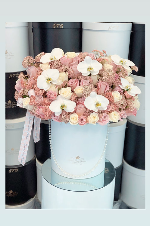 Large Size Bouquet in Color pink and White