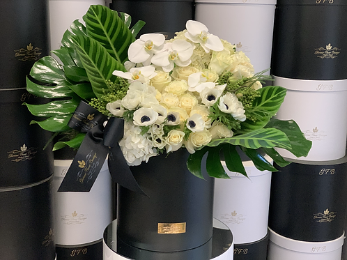 Large Size Flower Arrangement in Green and White Colors