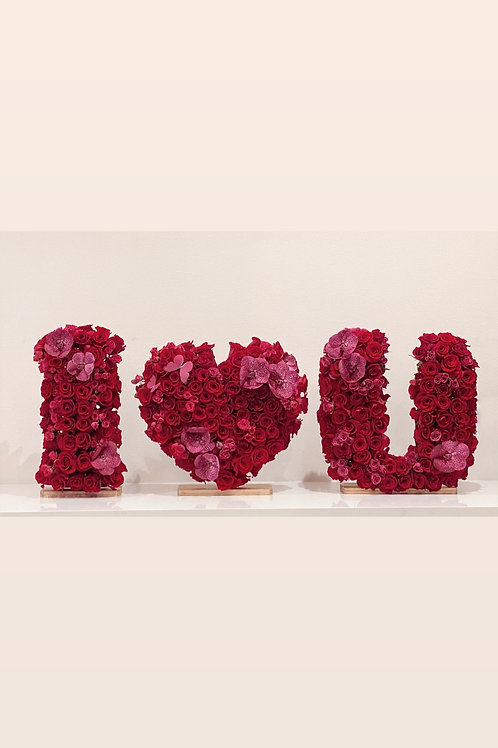 """Set of """" I Love You"""" Arrangement in size 20"""""""