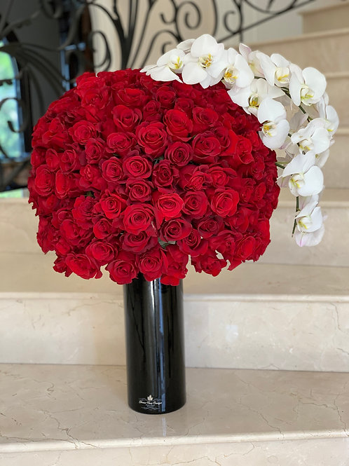 "Large flower Arrangment "" 250 Roses"""