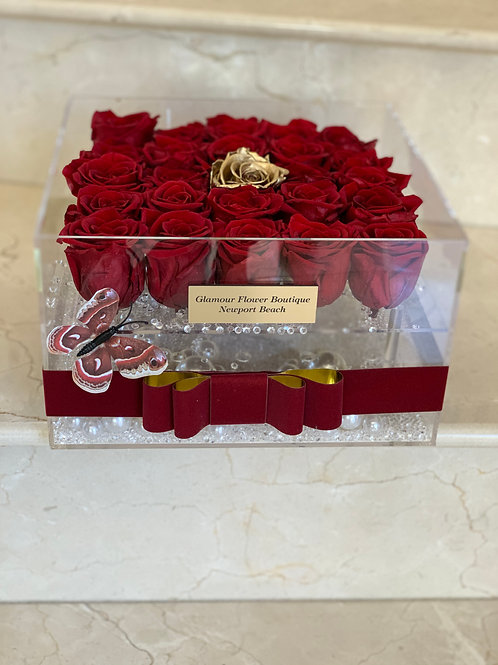 25 Preserved Roses in Acrylic Box