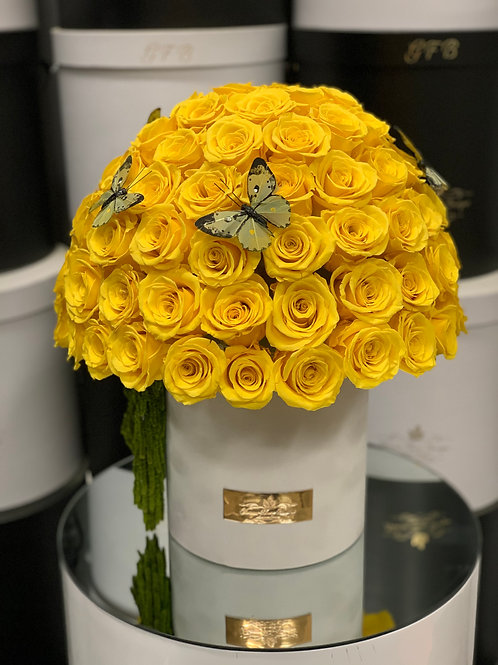 Preserved roses in Yellow color