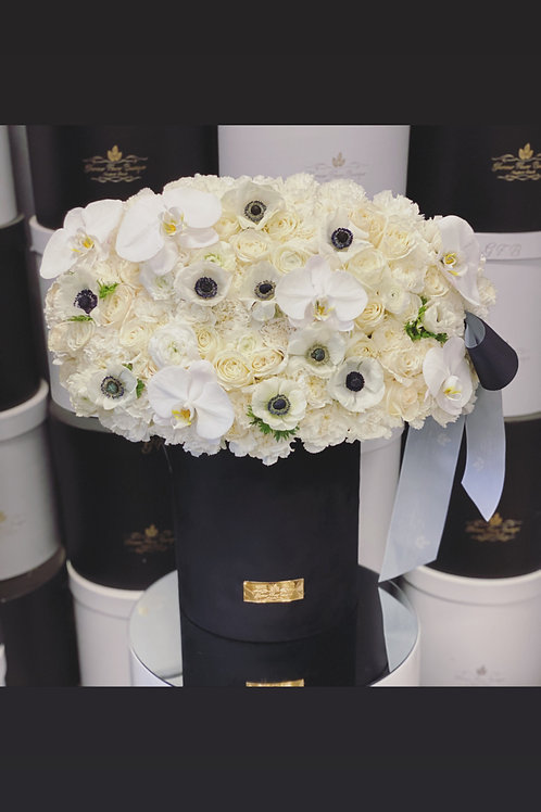 Large Flower Arrangement in color white and black