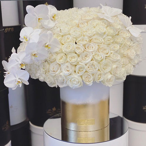 Large Size Arrangement in Gold and White Box