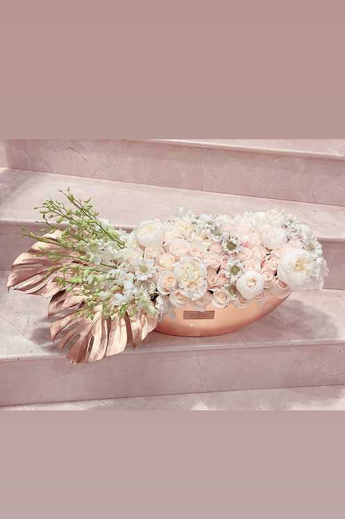 Oval Shape Flowers in white and Gold colors