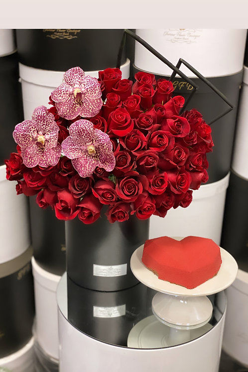 Heart  shape Cake with Roses Bouquet