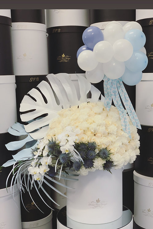 Extra Large Blue and White Arrangment with Ballons Design