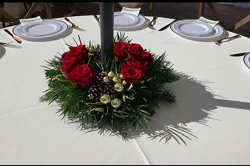 Christmas Centerpiece with whole in the Middle