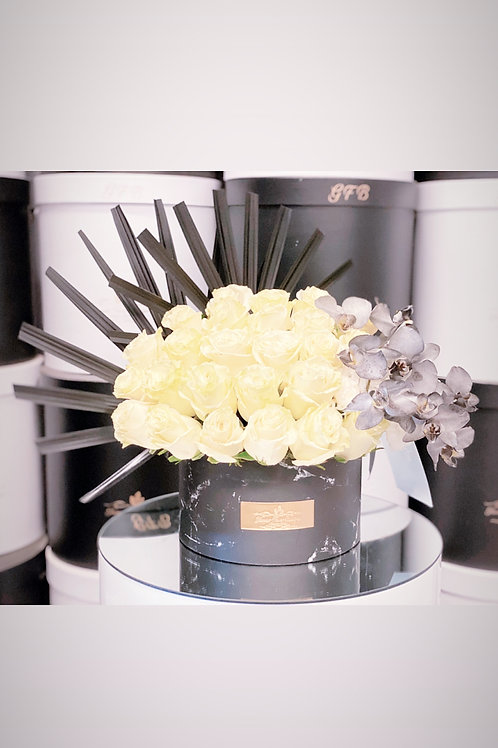 Small Arrangement in Black and White colors