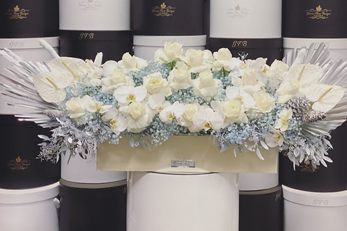 X Large Rectangle Bouquet in Frozen Style