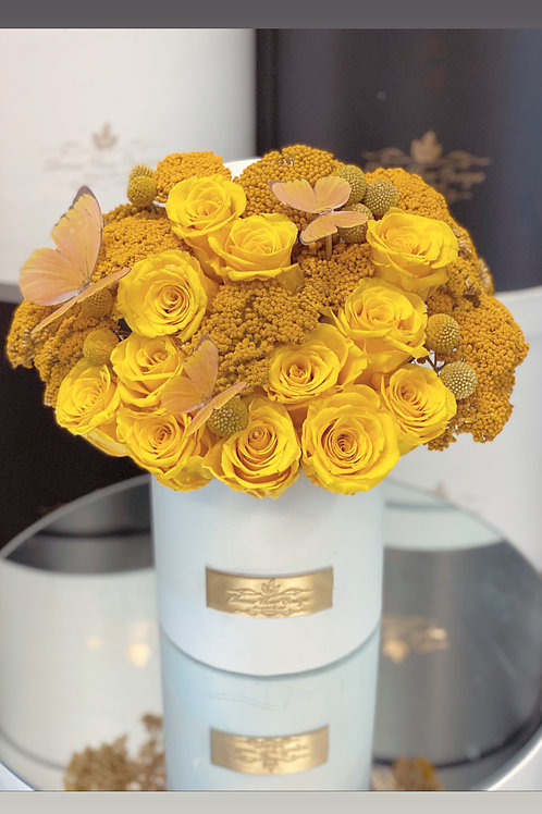 Small Preserved Roses Box in Yellow Color