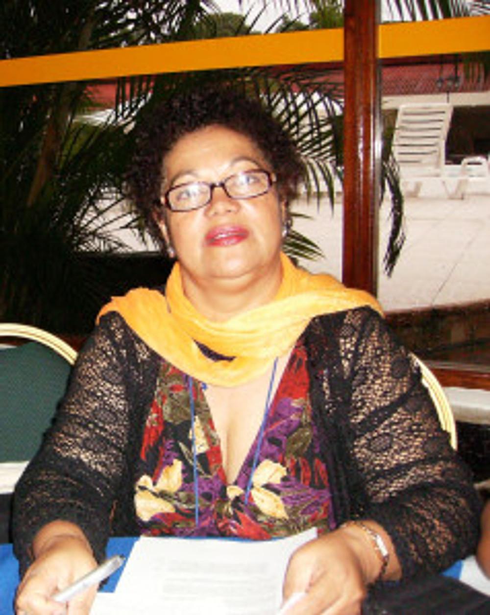 en la foto la compañera Azeneth Báez, de Lumbanga y enlace por Chile en la Red de Mujeres Afro.