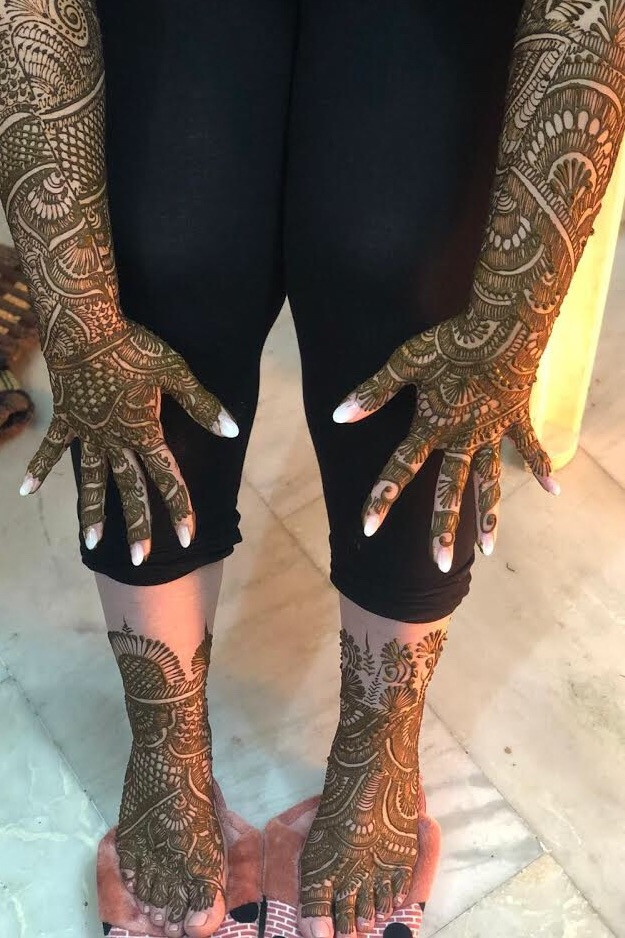 Nicoles Bridal Mehndi After Application Waiting for it to Dry