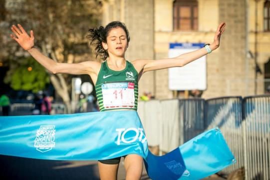 Winning the Totalsports Ladies Race 10K 2018