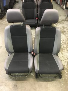 2007 impreza wagon front seats