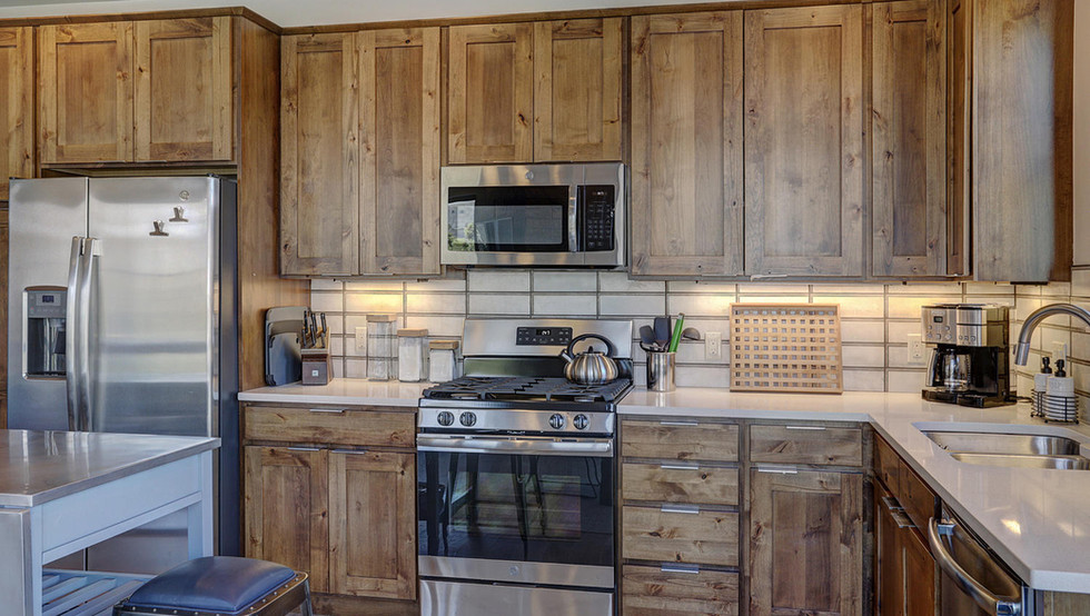 1080_blue_river_pkwy-large-009-006-kitch