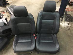 2005 Subaru Forester XT seats