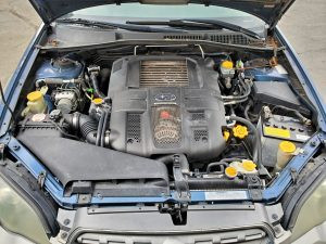 2005 outback xt engine bay