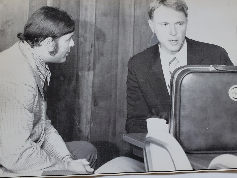 K     Grant & Gurney discuss 1972 Indy R