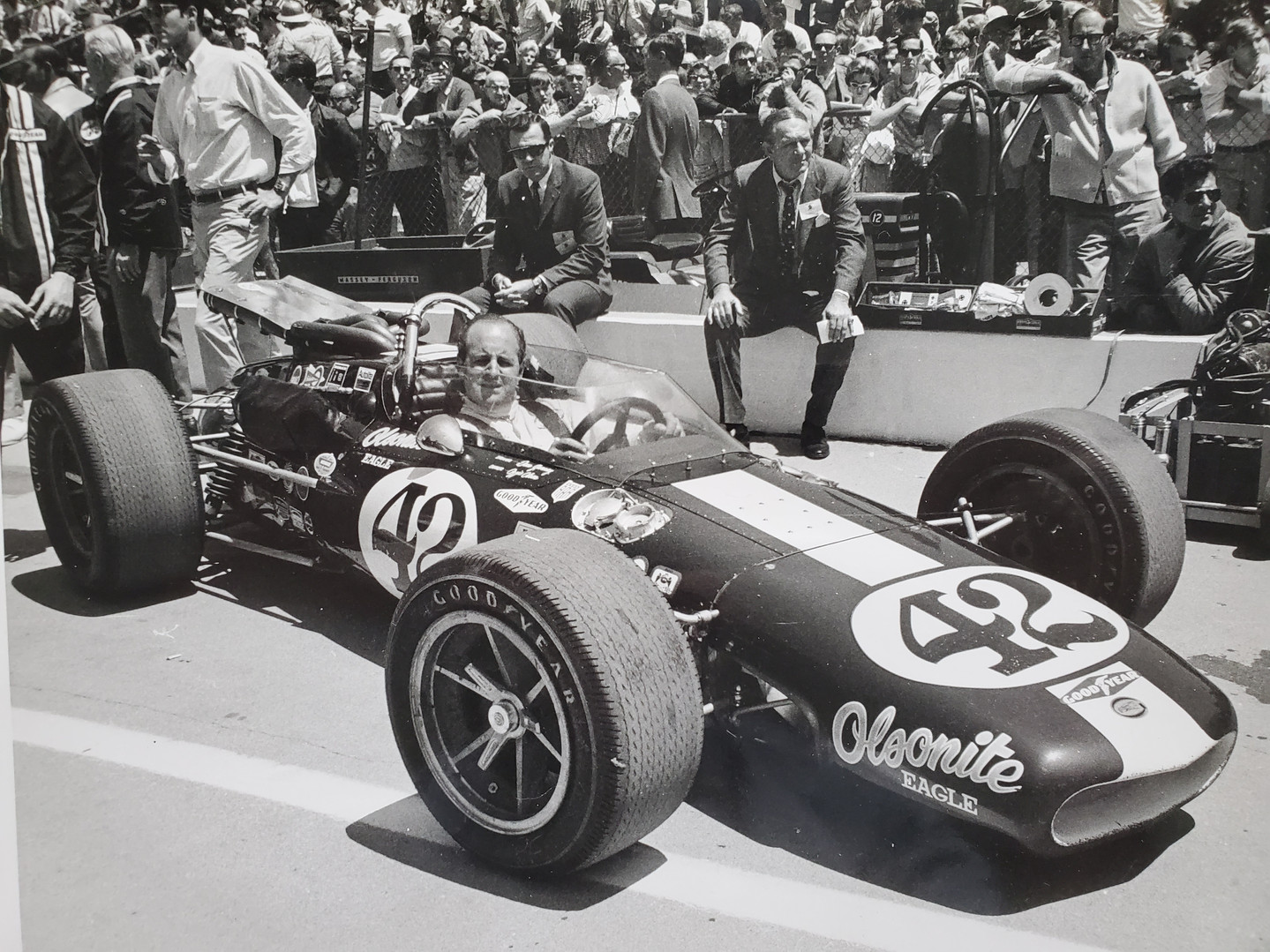 Denny Hulme Indy 1968.jpg