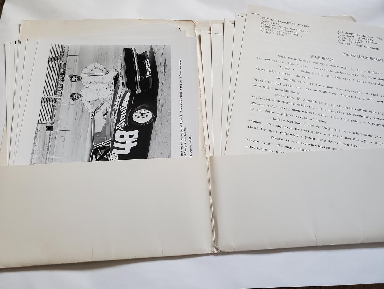 1a Chrysler Press Folder.jpg