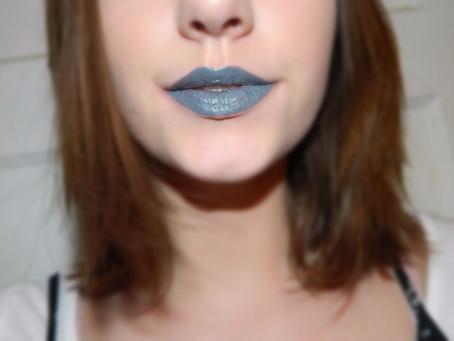week of the lip: Dark Blue Grey Look