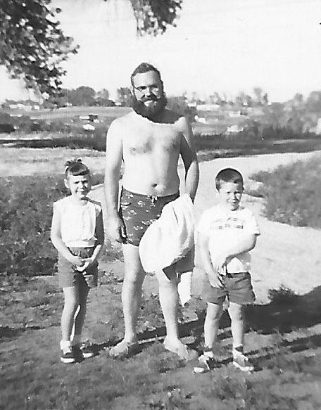 DadMicheleDennisAug1959.jpg