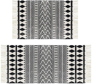 Black and White Patterned Rug Set