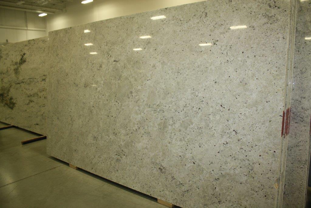 Colonial White 3cm C1111 001