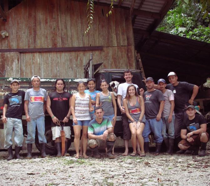 Matt and Amy with the Finca Family