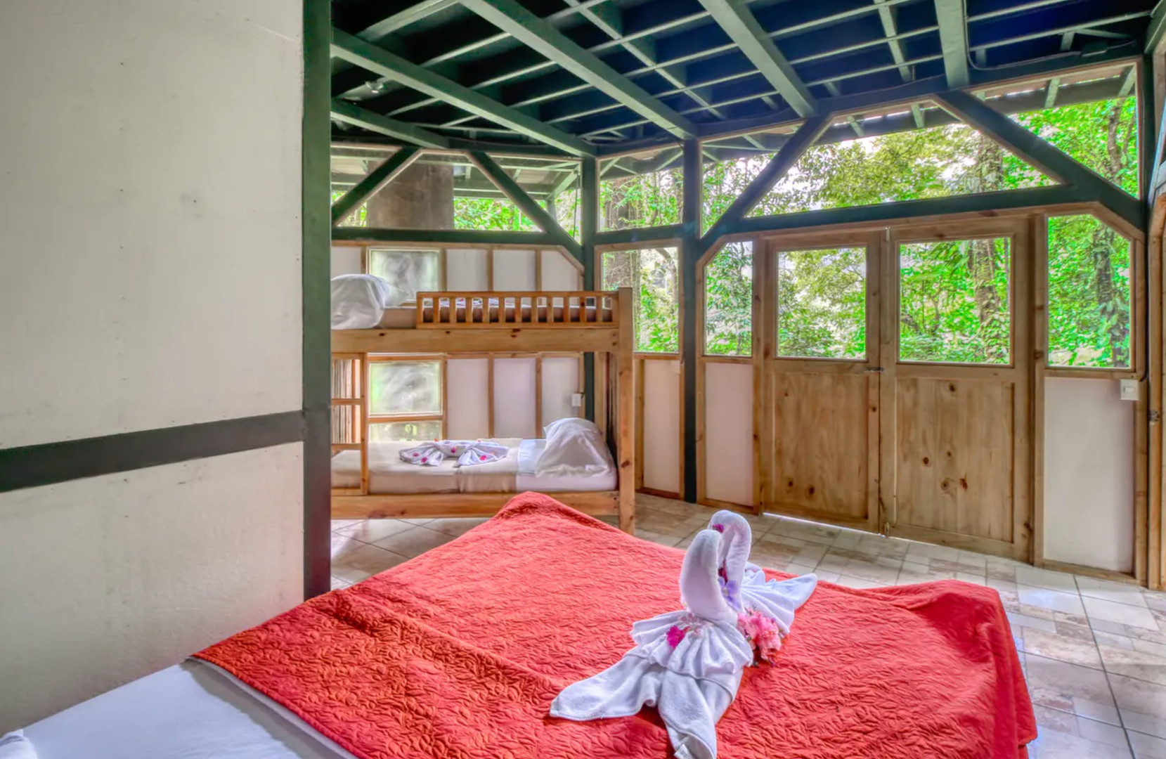 Lower bedroom with bunkbeds
