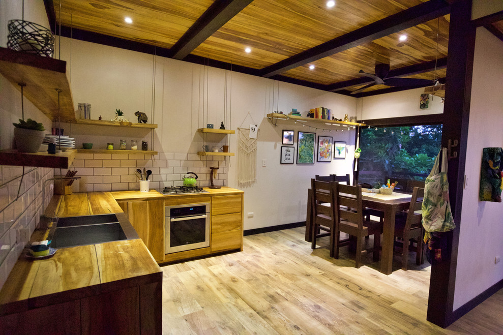 Kitchen _ dining room 4.jpg