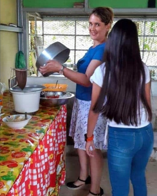 Hannia cooking