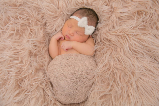 Newborn Pictures Fountain Valley