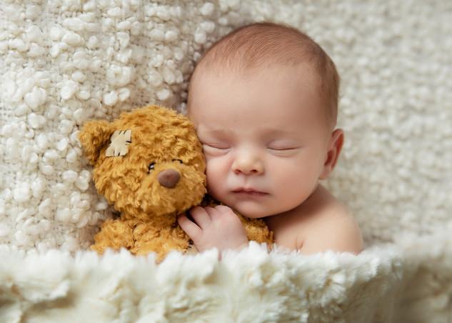 NewbornTaniaEngland_2051.jpg