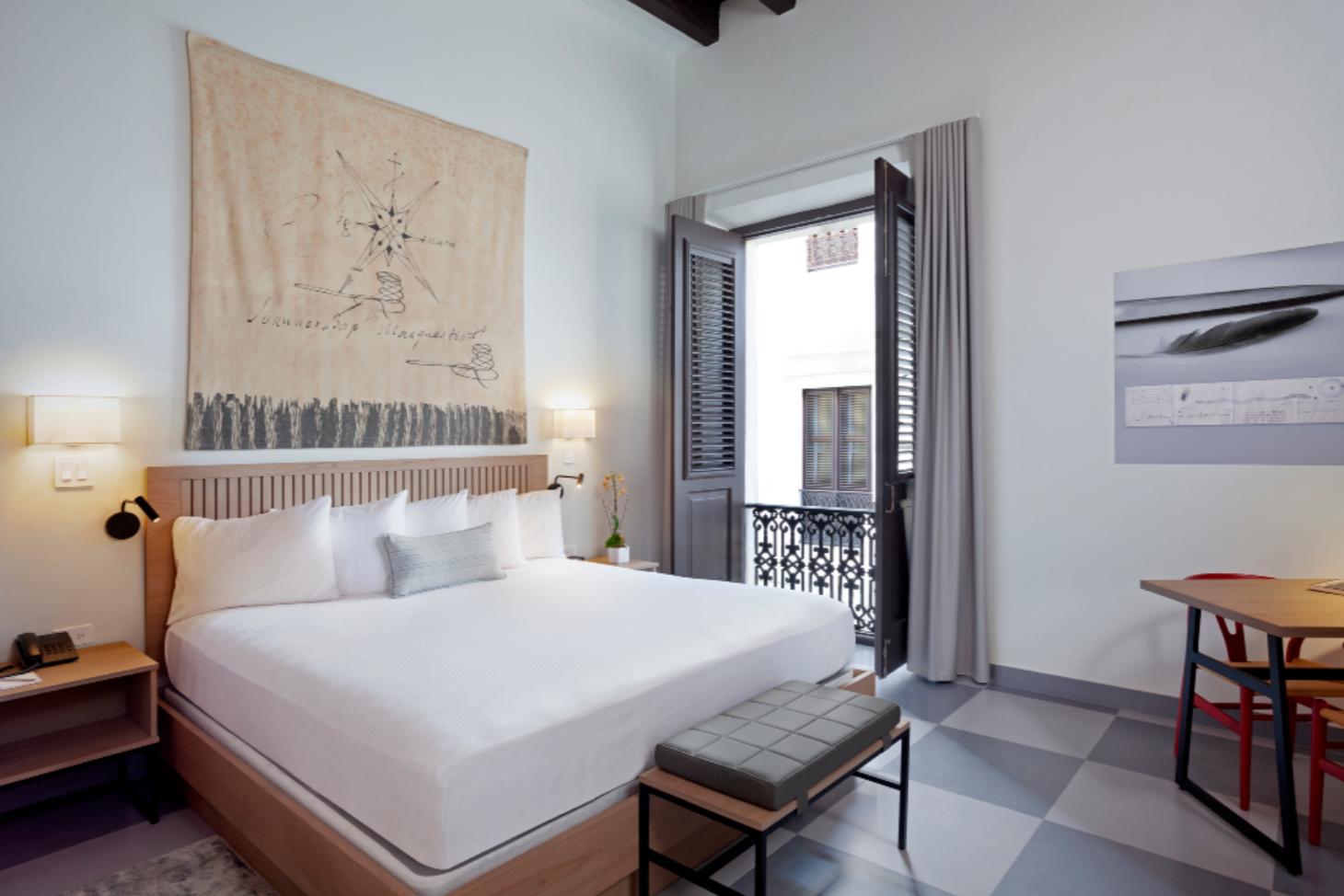 Palacio Provincial guestroom