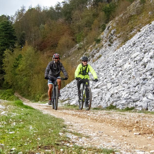 lo sterrato che da Pasquilio porta al monte Folgorito
