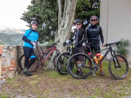 foto di gruppo a Gualdo