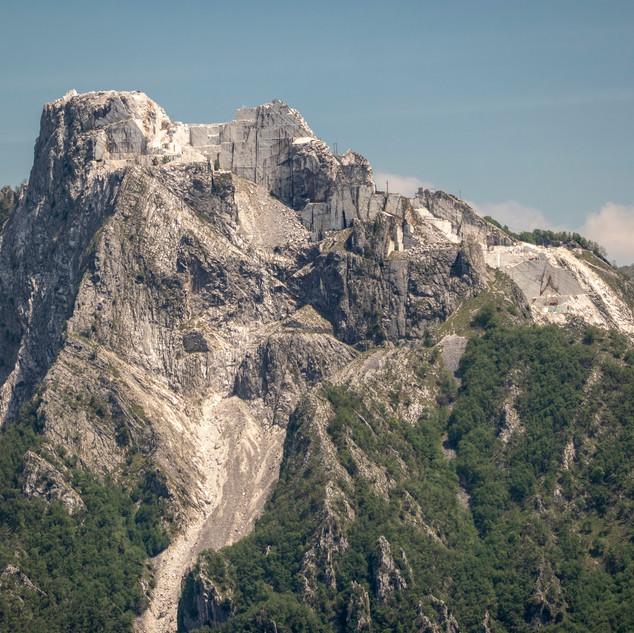 le cave delle Cervaiole viste dal Folgorito
