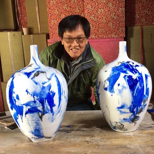 Contemporary ceramic art creation at Jin