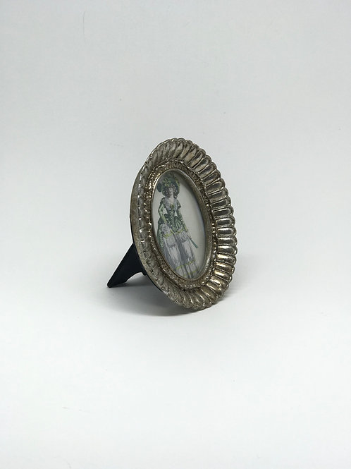 Picture Frame Small Silver Fanned Oval
