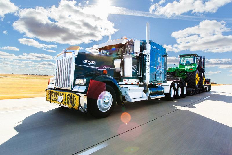 heavy_haul_trucking_johndeere.jpg