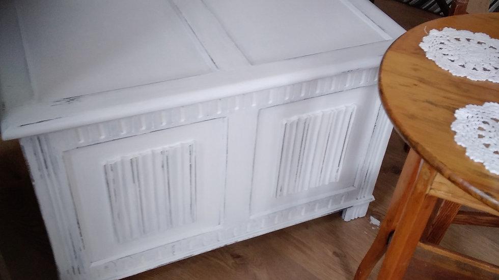 Oak linen fold chest
